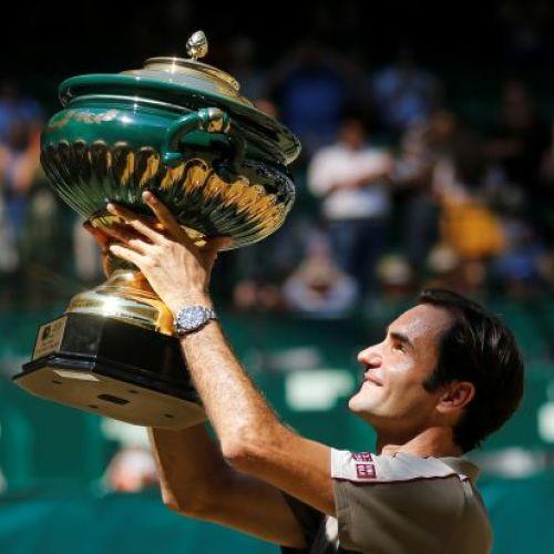 Federer continuă să scrie istorie. A câștigat titlul la Halle
