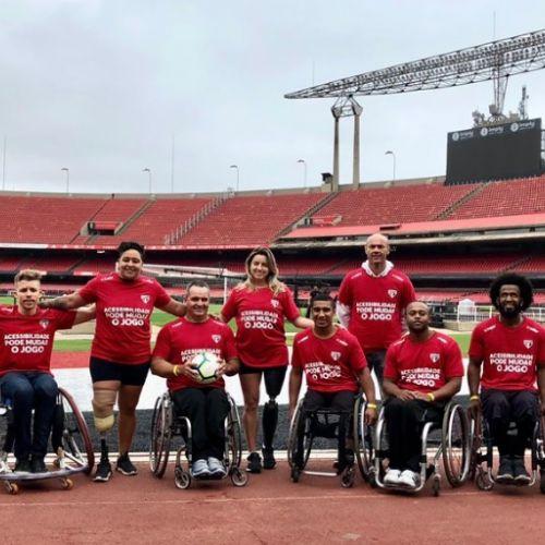 VIDEO / Exemplu de incluziune socială pentru paralimpici la meciul de fotbal Sao Paulo-Avai