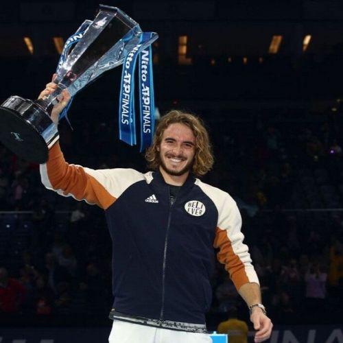 Lupul tânăr a sosit. Tsitispas a câștigat Turneul Campionilor la 21 de ani
