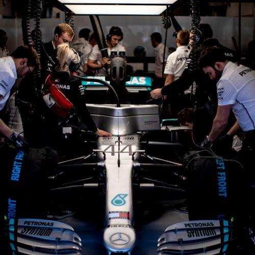 Șapte echipe de Formula 1 vor produce material medical împotriva coronavirusului