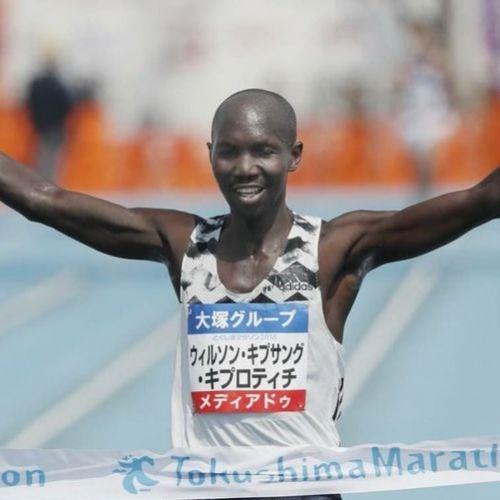 Inedit / Fostul recordman mondial la maraton Wilson Kipsang, arestat în Kenya pentru nerespectarea măsurilor împotriva COVID19