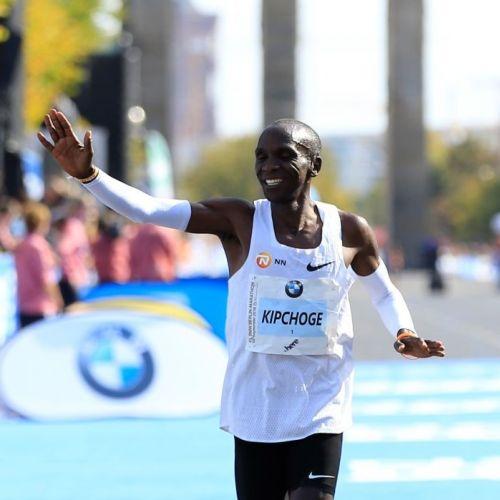 Alergătorii care zâmbesc consumă mai puțin oxigen și au un nivel mai scăzut de efort