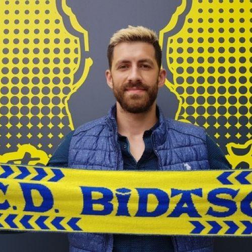 Handbalistul Dan Racoțea a semnat cu Bidasoa Irun
