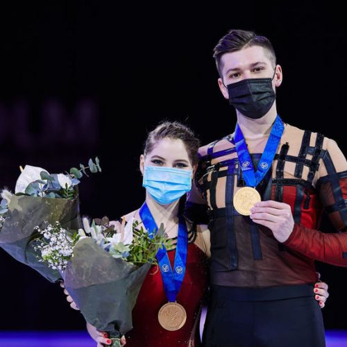 Patinatorii Anastasia Mişina şi Aleksandr Galliamov au câștigat aurul mondial în proba de perechi