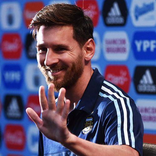 Messi a revenit la Barcelona, dar nu dă semne că-și va prelungi contractul